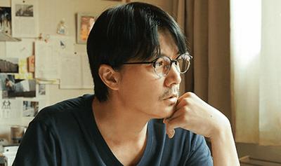 映画ラストレターの福山メガネ